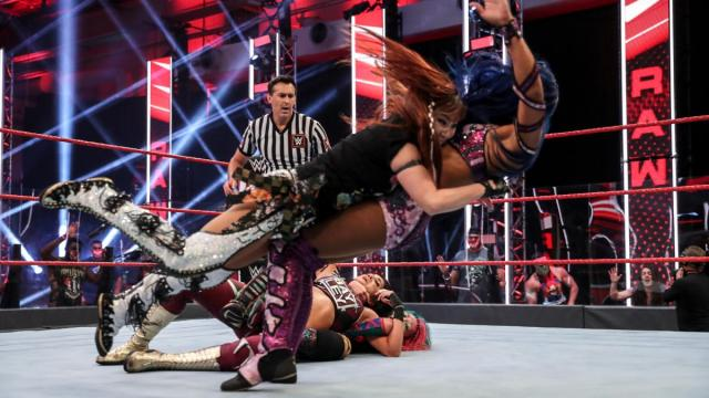 Kairi Sane spears Sasha Banks to stop her breaking up Asuka's submission on Bayley