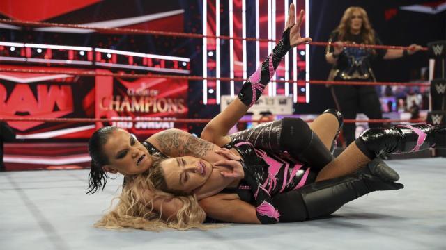 Shayna Baszler taps out Lana with the Kirifuda Clutch