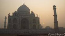 Taj Mahal (vanaf de linkerkant)