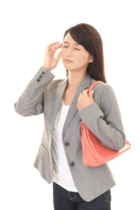 プチ頭痛女性
