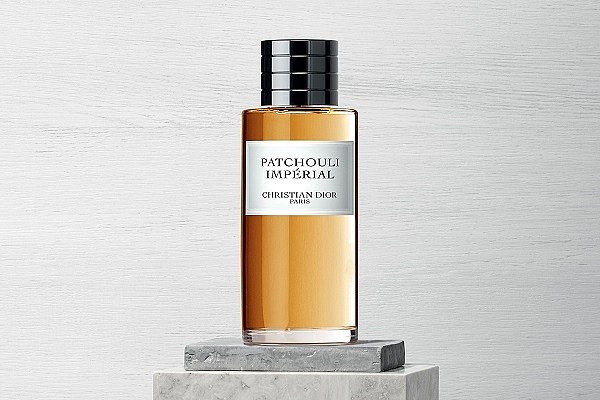 Vrouwelijke patchouli parfum