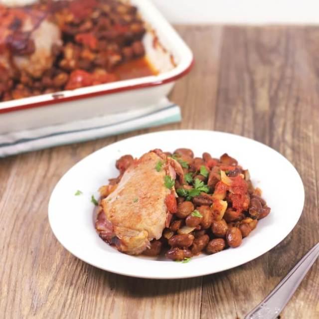 Jednoduchý recept na vepřové s rajčaty a fazolemi