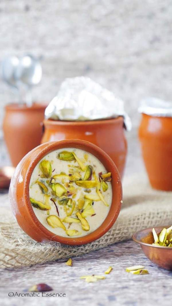 No-cook kesar pista kulfi ( Saffron pistachio Indian ice cream)