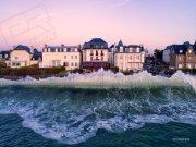Saint-Malo dans la tempête (c)easyride