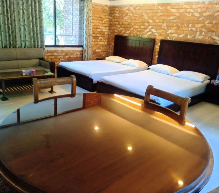 aronnobash-family-suit-bed-room