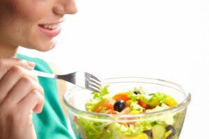 ストップ!そのサラダの食べ方、ダイエット効果がUPする方法ありますよ!