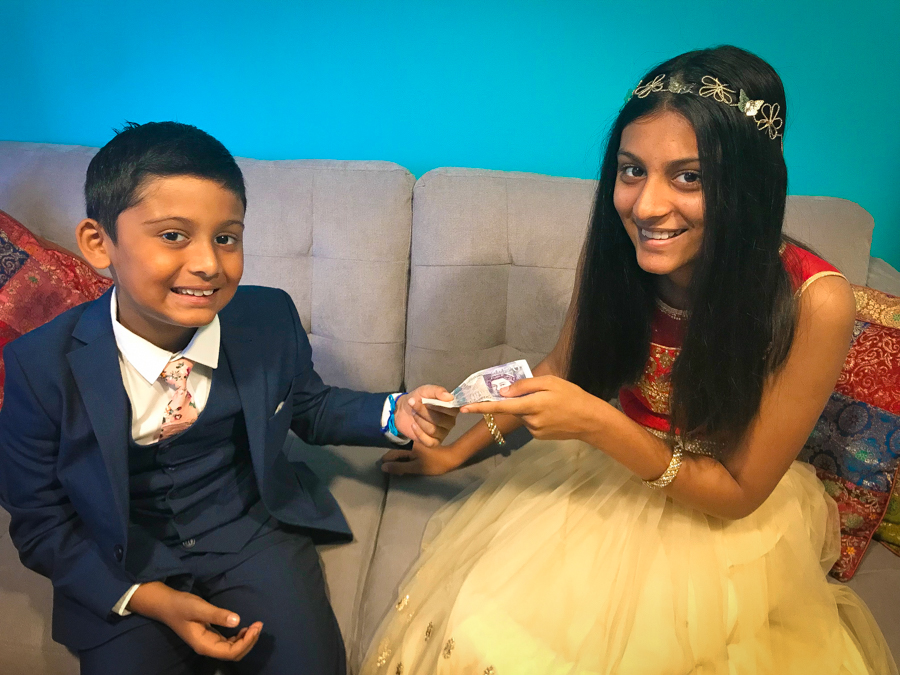 Brother-Sister Day - Shivam Gives Shalini Money