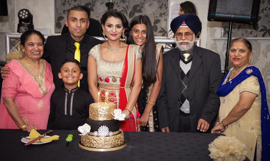 My Big Bash at 40 - Birthday cake cutting time