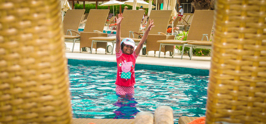 Holiday In Mexico - Shalini playing in the pool