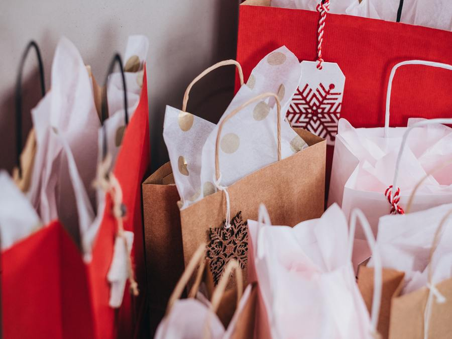 10 Things I Love About Christmas - Shopping