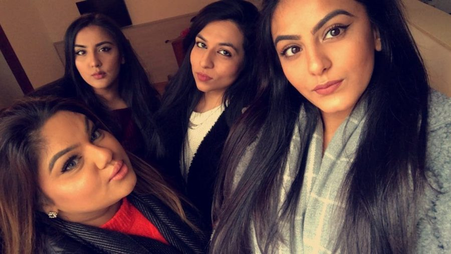 A selfie of Zayna and her girls