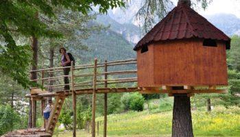 Casa sull'albero. Il Tree Village di Claut Pordenone Friuli