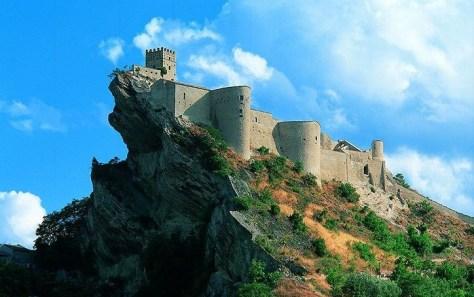 40 idee per un weekend con i bambini in italia castello di roccascalegna abruzzo