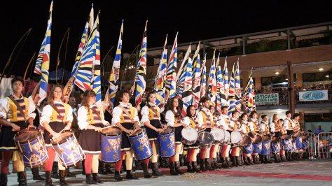 festa folli corinaldo ancona sbandieratori corteo storico