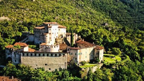 Castelli da visitare con i bambini_trentino_castel_pietra