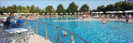 riva_marina_resort_piscina