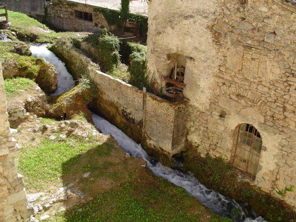 Itinerario in una meraviglia in Umbria. Rasiglia, Foligno. Parco dell'Altolina, Cascate del Menotre