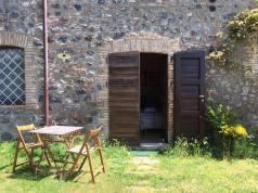 agriturismo_pulicaro_torre_alfina_patio