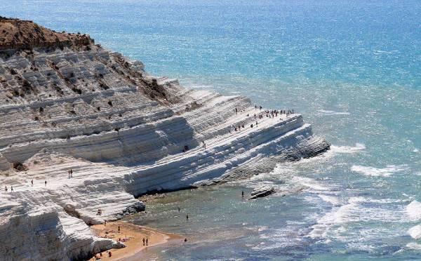 Sicilia per bambini: casa vacanza più automobile alla scoperta del mare stupendo e dell'arte meravigliosa