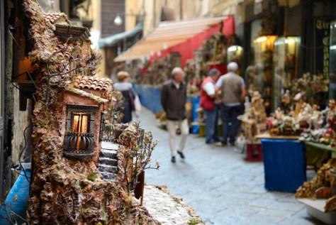 Via San Gregorio Armeno-Natale a Napoli