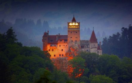 halloween_Transilvania_bran_castle_night