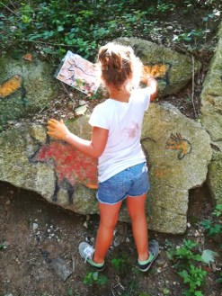 lago di garda per bambini Parco Palafitte di Ledro-pitture rupestri