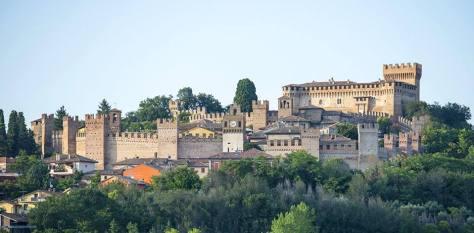 Castelli da visitare con i bambini castello gradara