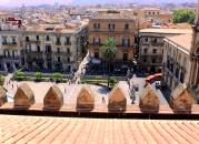 Cattedrale-vista del piazzale con trenino