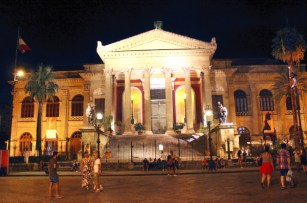 Via Maqueda-teatro Massimo