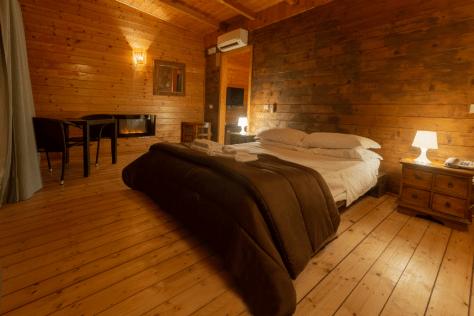 dormire tra gli alberi eco lodge-plana-resort-campania-camera