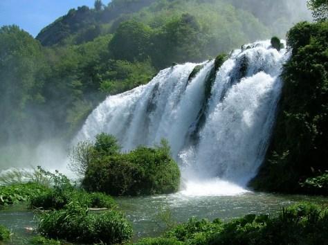 cascata-delle-marmore-caduta dacqua