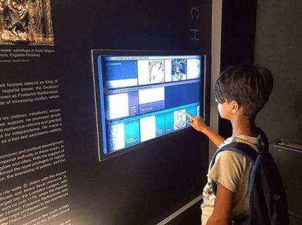 museo-federico-secondo-pannelli-interattivi