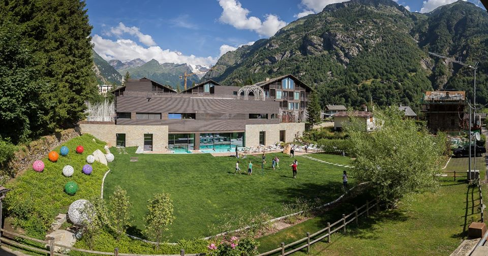 Piemonte vacanze bambini family hotel mirtillo rosso
