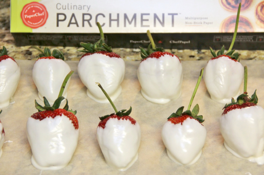 almond bark strawberries