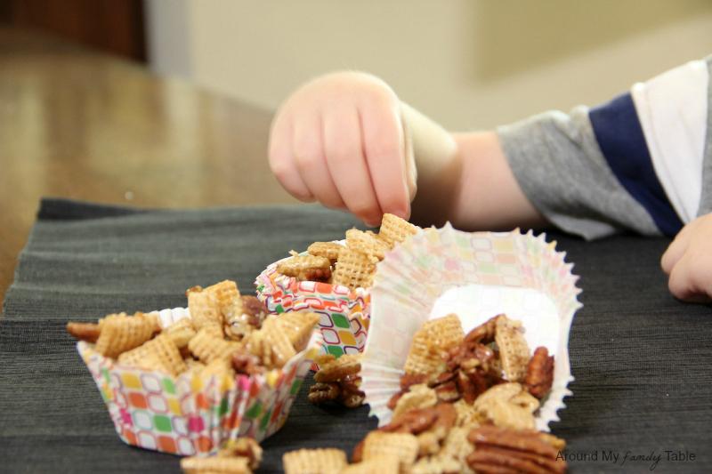 Praline Pecan Crunch Snack Mix in a Slow Cooker!