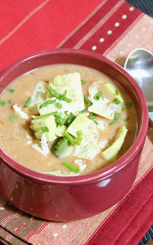 15 Minute White Chicken Chili - quick and easy 15 minute supper!