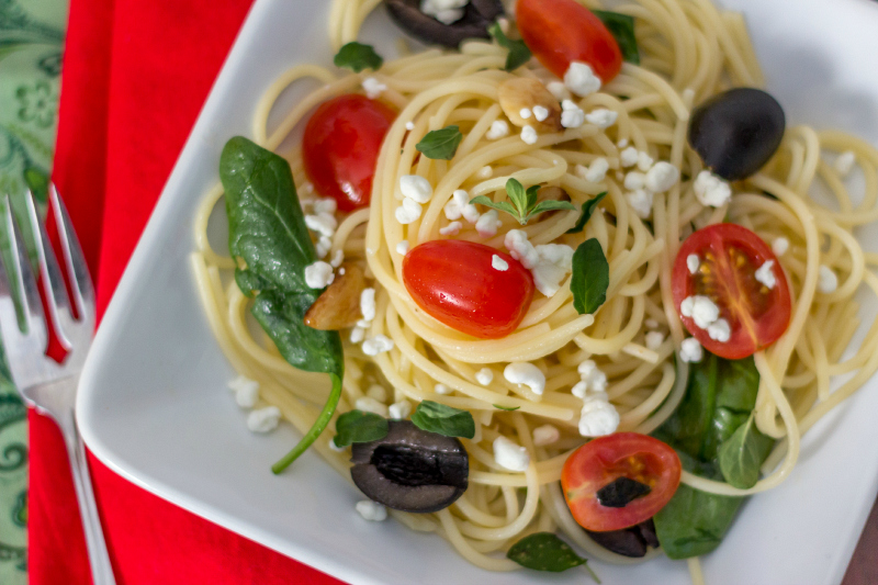 Vegetarian Greek Pasta with Feta #15MinuteSuppers