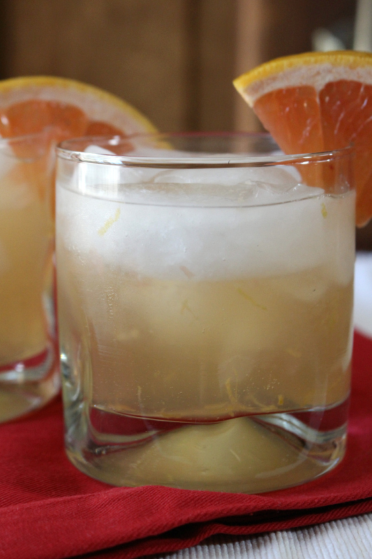 Fresh grapefruit juice and ginger ale create this fresh summer drink.  Serve these Grapefruit Ginger Sparklers at your next party.
