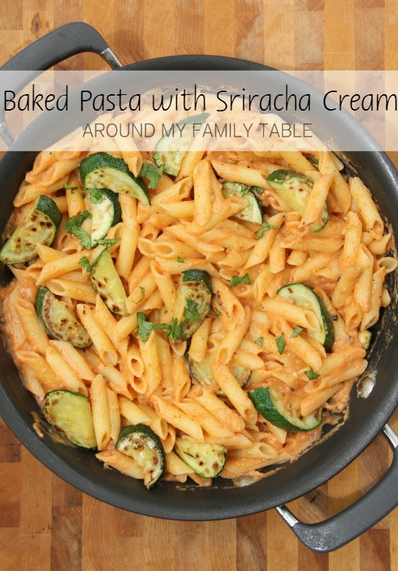 My Baked Pasta with Sriracha Cream Sauceandtons of fresh zucchini will leave you totally satisfied and craving more! via @slingmama