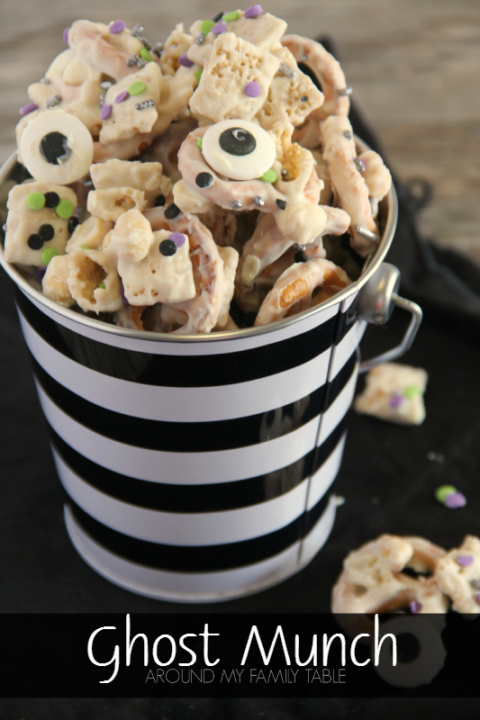 Get the kids in the kitchen and make up a batch of this quick GHOST MUNCH for Halloween. It's a fun and spooky Halloween snack mix that everyone will love.