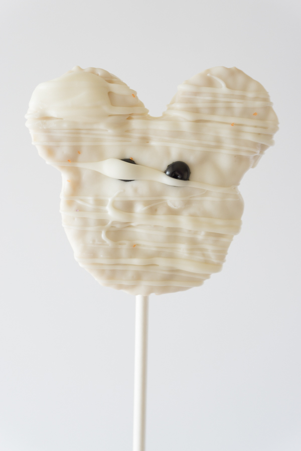 Love this Mickey Mummy Crispy Treat! You won't believe how simple and easy these Homemade Disney Halloween Mickey Crispy Treats are to make.