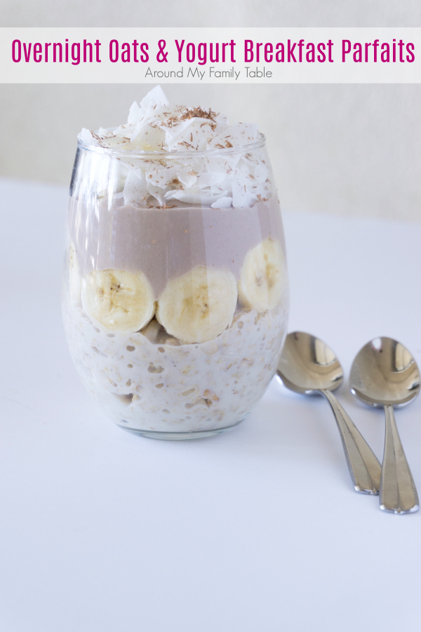 Hectic Mornings? A little planning the night before and these healthyOvernight Oats & Yogurt Breakfast Parfaits will get your morning off on the right start! #breakfast #overnightoats
