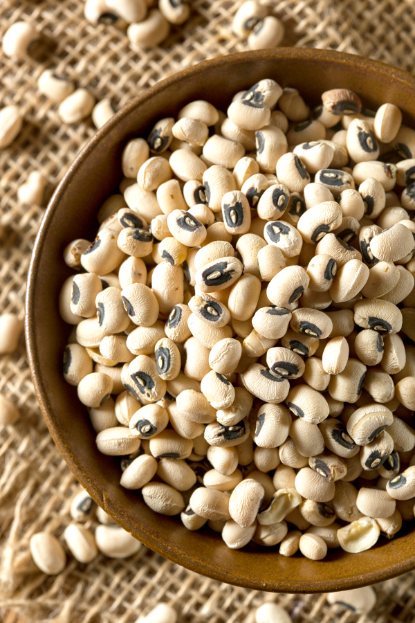 Everything you've wanted to know about black eyed peas. ThisHow to Cook Black Eyed Peasguide features instructions on using a pressure cooker, instant pot, slow cooker, and stovetop for cooking black eyed peas, plus there are a few delicious recipes to try as well.