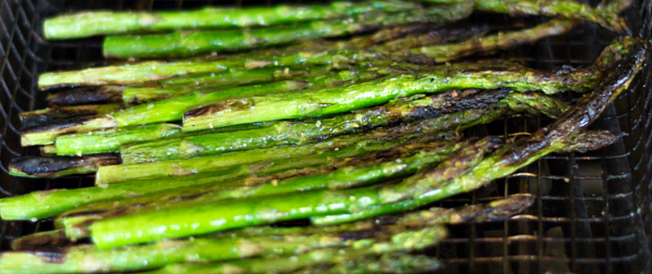 Grilled vegetables are delicious and easy to throw together, just like this grilled asparagus it's such a simple recipe and seriously the Best Grilled Asparagus ever.