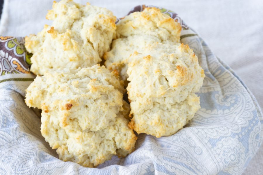 cast iron buttermilk biscuits