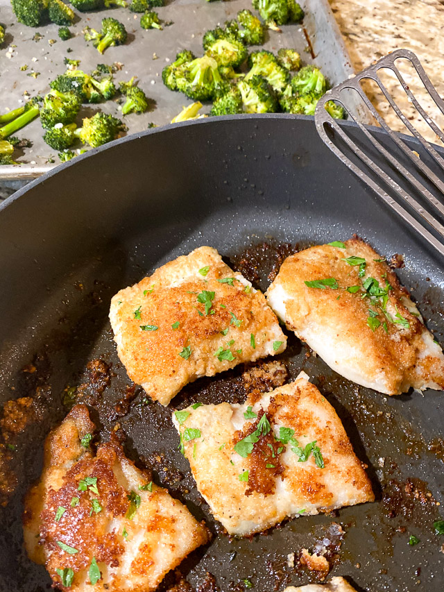 parmesan crusted cod and brocolli
