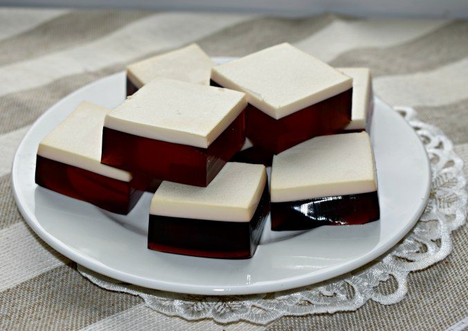 Rootbeer Float Finger Jello