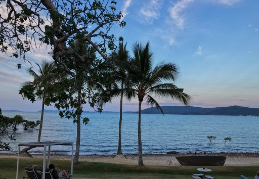Image shows the sunset at Northerlies restaurant near Airlie Beach.