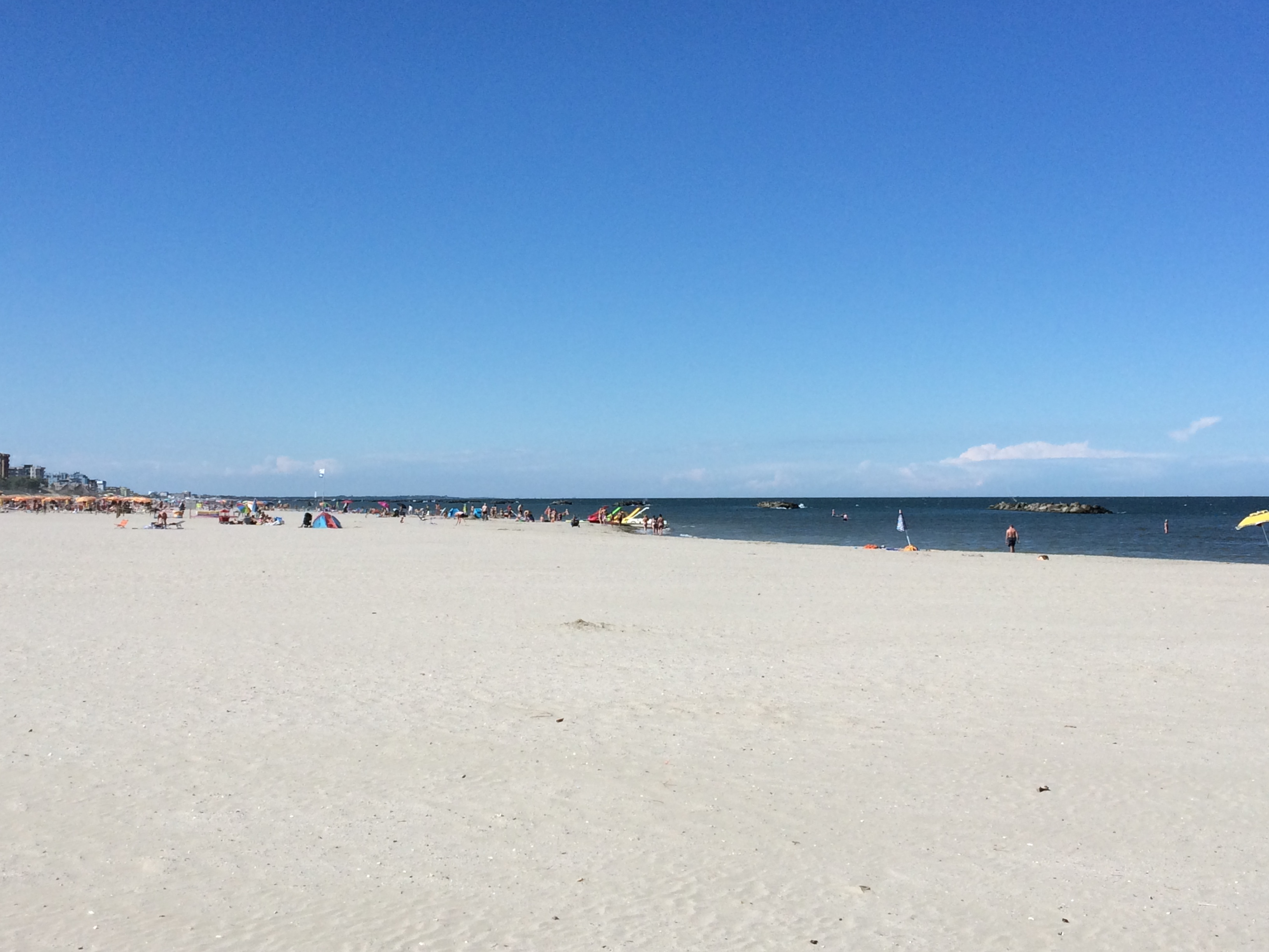 Stunning white sandy beach at Spiaggia e Mare Holiday Park, Italy