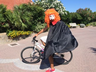 Bence as the bike monster in Spiaggia e Mare Holiday Park, Italy